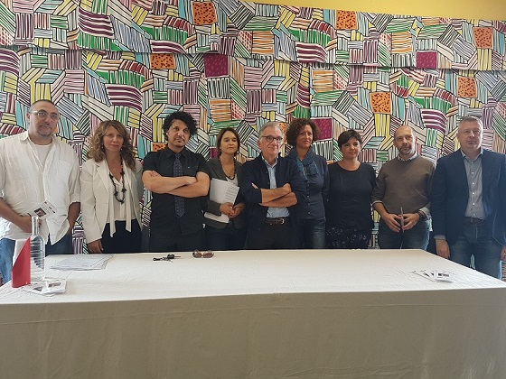 Foto di gruppo durante la presentazione dell'Atelier Alzheimer a Lastra a Signa
