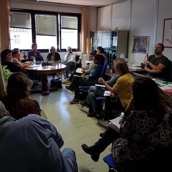 Un momento dell'ultima riunione dell'Unità di Valutazione A.L.I. (UVAli) con gli operatori dell'area sociale della SdS e della Asl, i tutor, il direttore della SdS Franco Doni