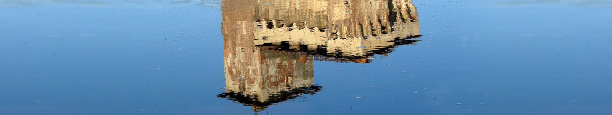 Riflessi sul fiume Bisenzio
